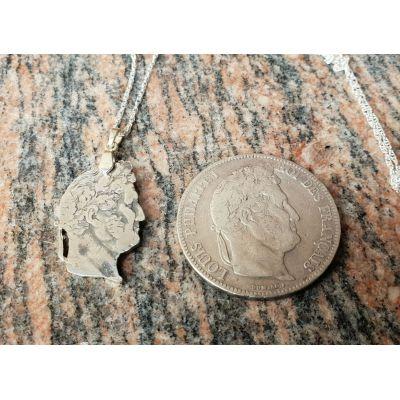 Pendentif en argent avec pièce de 5 Francs Louis Philippe découpée a la main