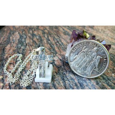 Pendentif en argent à partir d'une pièce de 10 Francs Hercule découpée à la main