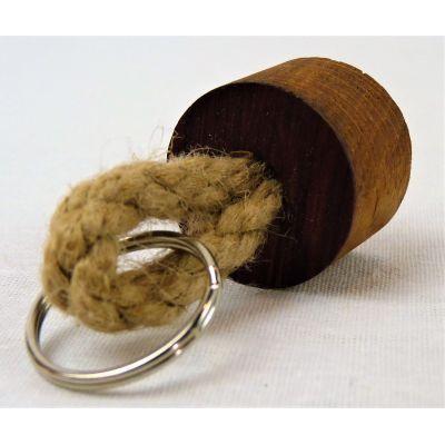 Porte clé rond en chêne issu de douelles de barriques de vin des plus grands crus Bordelais