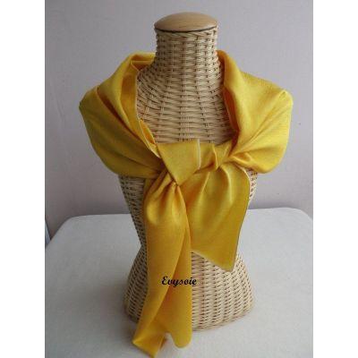 Echarpe en soie brochée unie jaune d'or