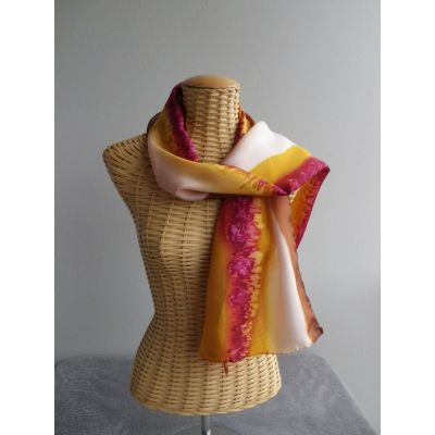 Foulard, écharpe, étole en soie jaune d'or et rouge garance