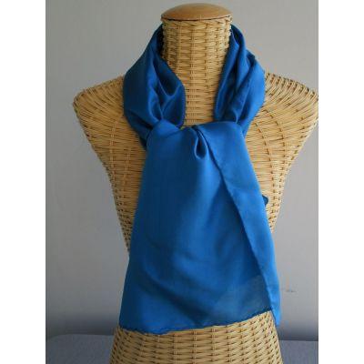 Echarpe en soie, bleue, unie @evysoie