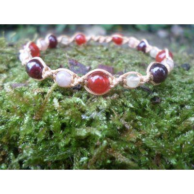 Bracelet, positivité et confiance en soi,  en perles, de calcite jaune, pierre de soleil, grenat almandin et cornaline, taille réglable
