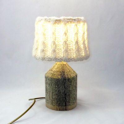 Lampe chevet salon bureau livre recyclé abat-jour tricot torsades écru @Rêve de Lampes