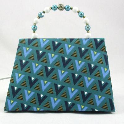 Lampe sac à main coton graphique poignée perles blanches et bleues @Rêve de Lampes