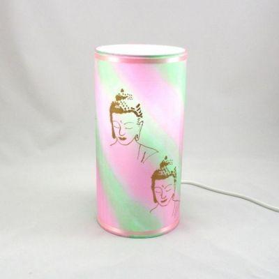 Lampe tube totem Bouddha soie peinte main rose et vert @Rêve de Lampes
