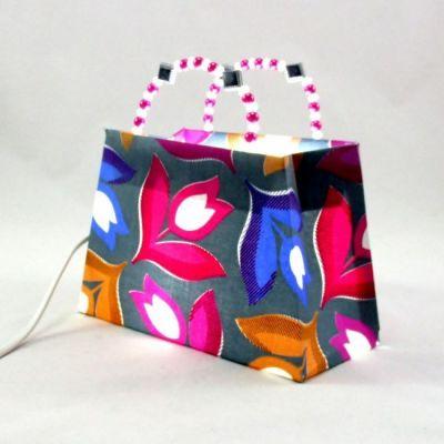 Lampe sac à main tissu gris imprimé tulipes anses perles @Rêve de Lampes