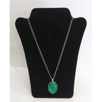 Collier pendentif ovale vert