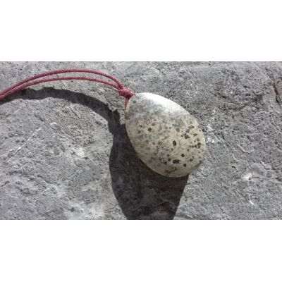 Pendentif pierre fine locale (Pyrénées)