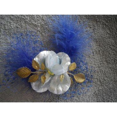 Broche/accessoire pour headband avec voilette et plumes bleues