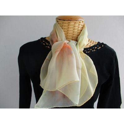 Echarpe en mousseline de soie jaune paille et corail