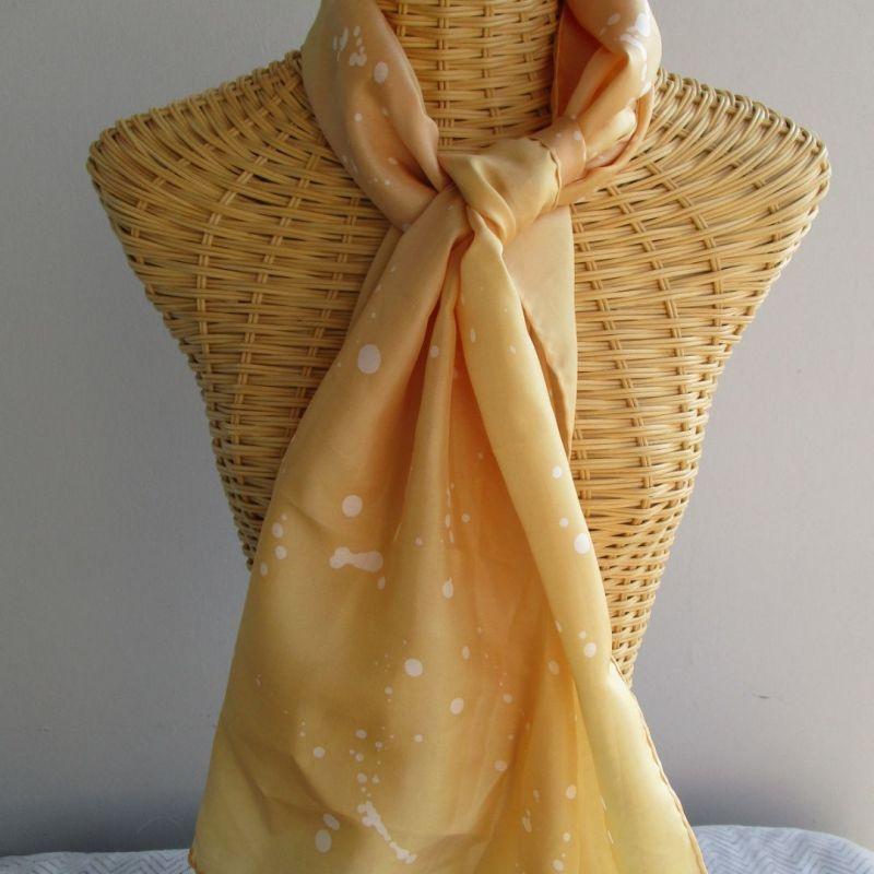 Echarpe en soie jaune abricot et rose magnolia