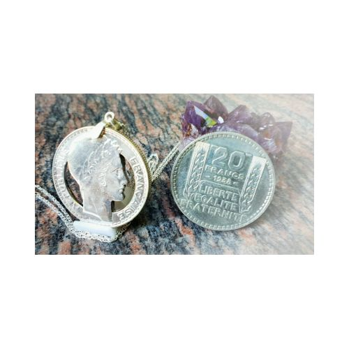Pendentif en argent à partir d'une pièce de 20 Francs Turin découpée a la main
