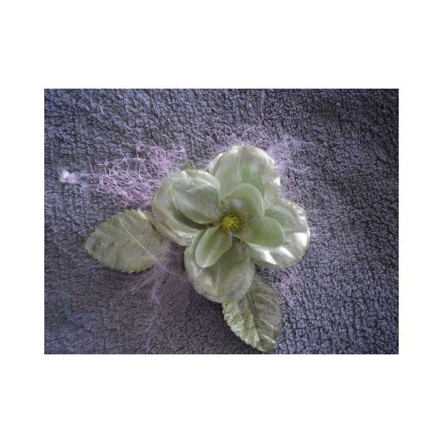 broche, accessoire pour headband, fleur verte plumes et voilette rose